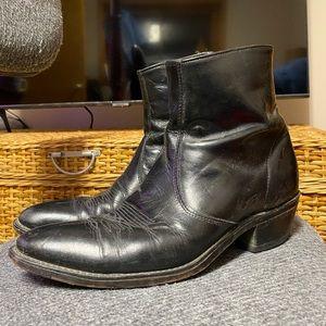 Used Laredo zip cowboy boots sz9